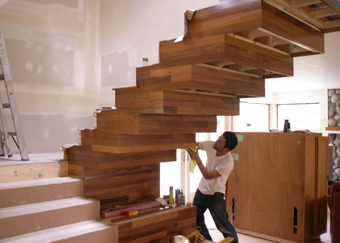 Zsolt Farkas building the Obermaier staircase.